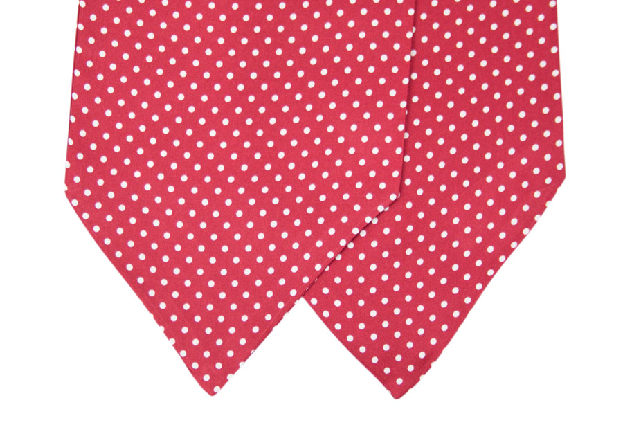 Ascot in silk with white polka dot design
