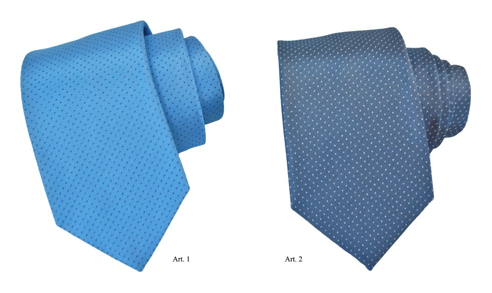 Patterned tie with polka dots