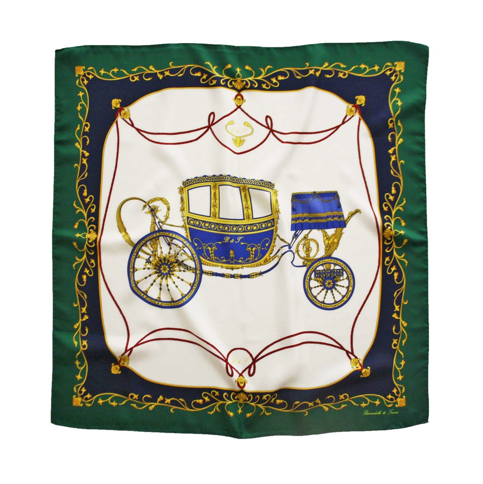 Elegant scarf with fancy carriage, white - green