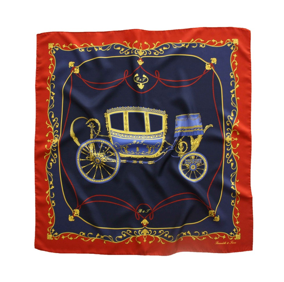 Elegant scarf with fancy carriage