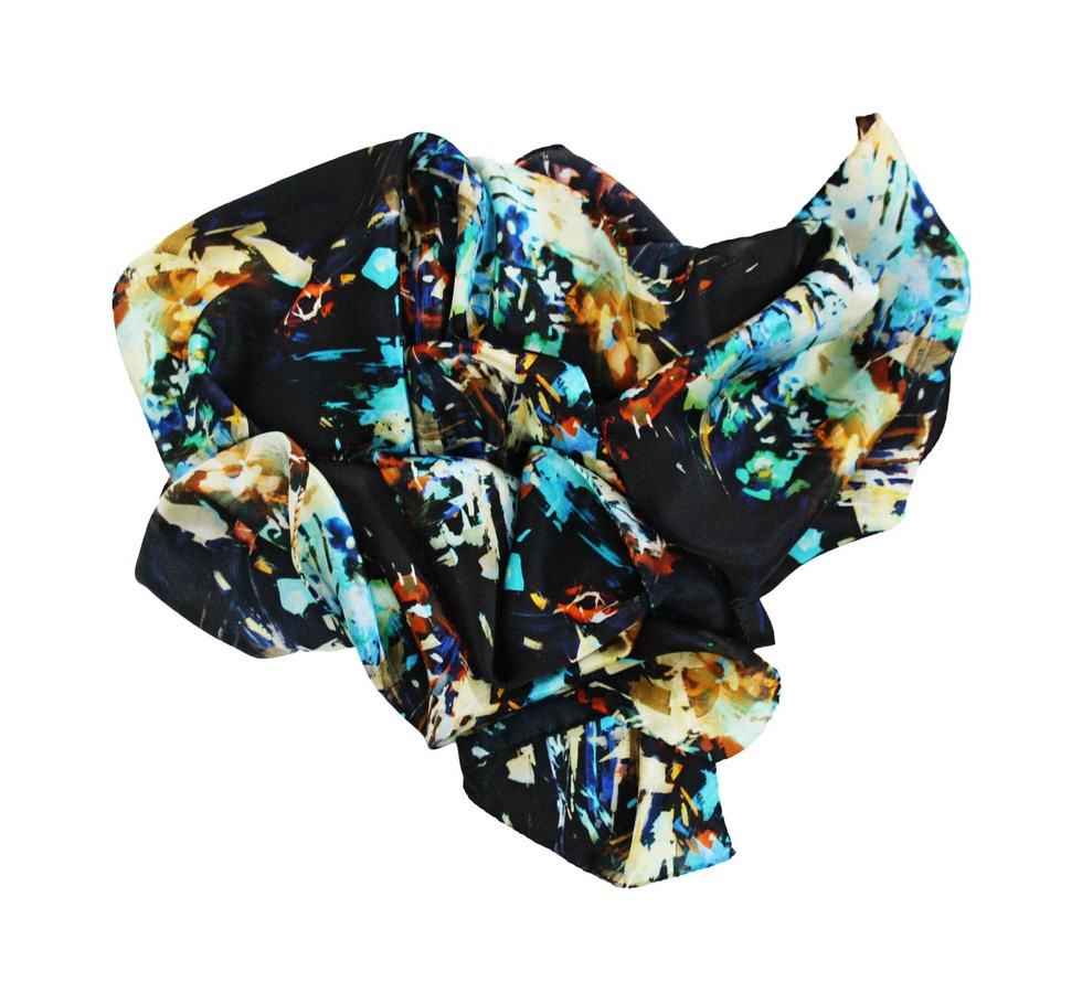 Silk scarf patterned woman bouquet of flowers black