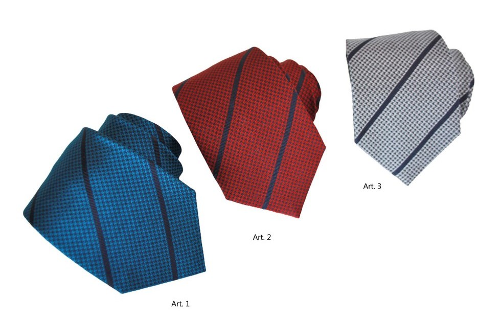 Silk regimental ties for man with geometric patterns
